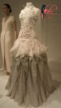 dress_of_the_year_2011-_sarah_burton_per_alexander_mcqueen_perfettamente_chic