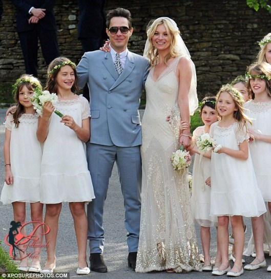 Kate_Moss_Jamie_Hince_wedding_perfettamente_chic_1