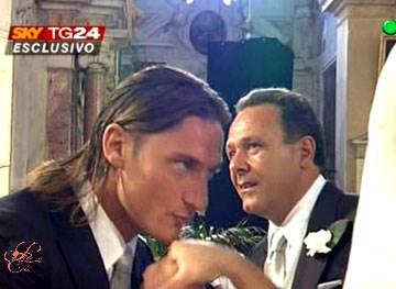 Totti_Ilary_perfettamente_chic_4.jpg