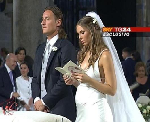 Totti_Ilary_perfettamente_chic_6.jpg