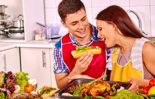 cucinare_coppia_perfettamente_chic.jpg