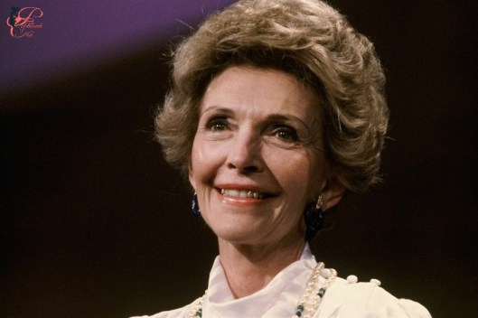 nancy_reagan_perfettamente_chic.jpg