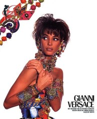 versace_christy_turlington_perfettamente_chic