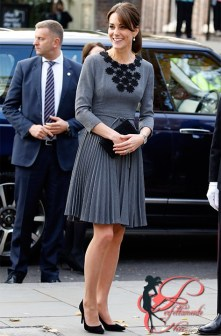 _2002_kate_middleton_jimmy_choo_perfettamente_chic