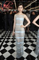lilly_collins_jimmy_choo_perfettamante_chic