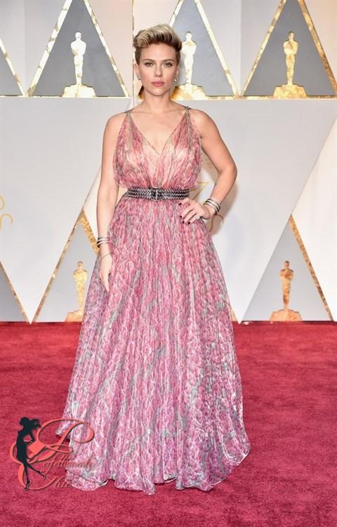 Scarlett Johansson_oscar_2017_perfettamente_chic.jpg