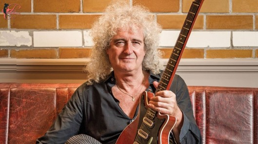 brian_may_perfettamente_chic.jpg