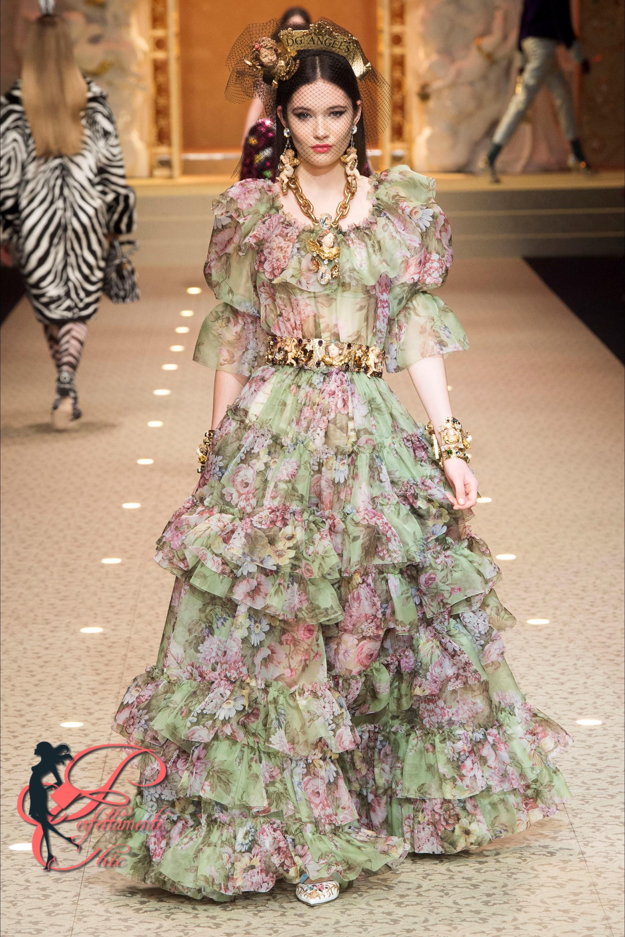 I Promessi Sposi è la tematica della linea Alta Moda Dolce   Gabbana Autunno  Inverno 2018 2019!! f1ea99232ea