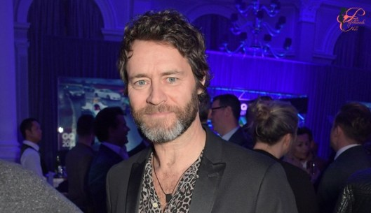 howard_donald_perfettamente_chic