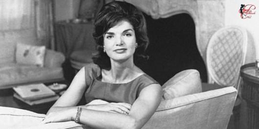 Jacqueline_Kennedy_Onassis_perfettamente_chic.jpg