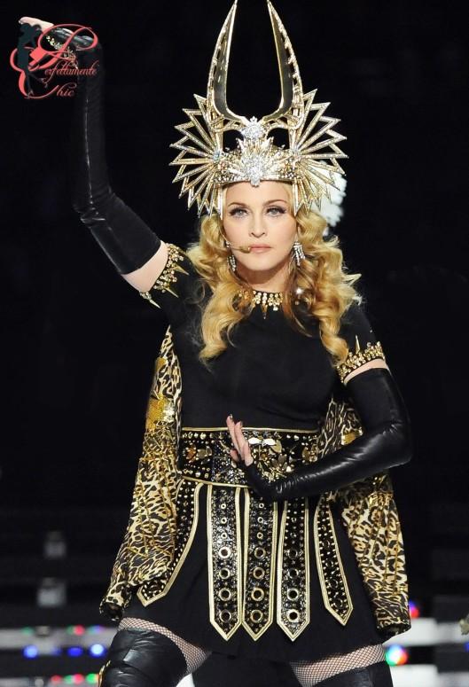 Philip_Treacy_perfettamente_chic_Madonna.jpg