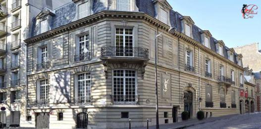 Yves_Saint_Laurent_YSL_perfettamente_chic_Avenue_Marceau.PNG