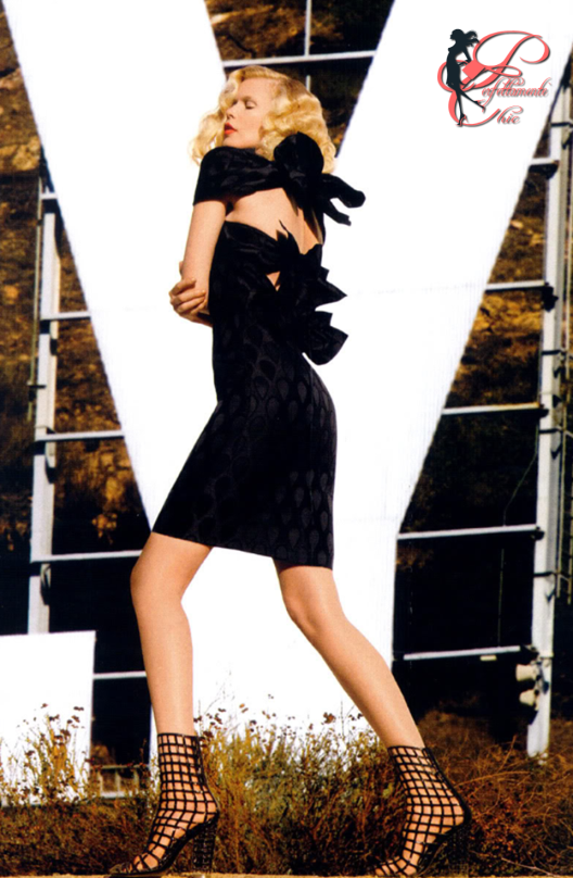 Yves_Saint_Laurent_YSL_perfettamente_chic_Claudia_Schiffer.PNG