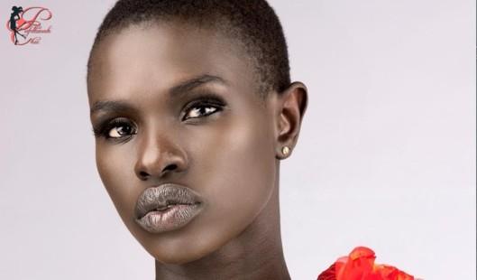 Ajuma-Nasenyana_perfettamente_chic.jpg