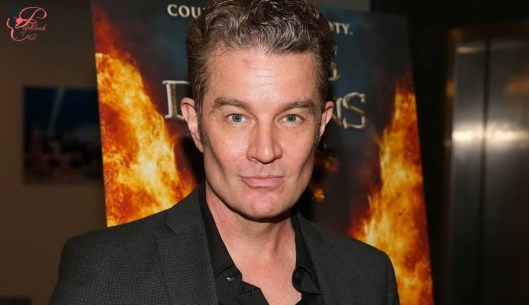 james-marsters_perfettamente_chic.jpg