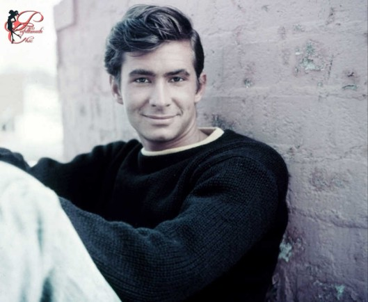 Anthony_Perkins_perfettamente_chic.jpg