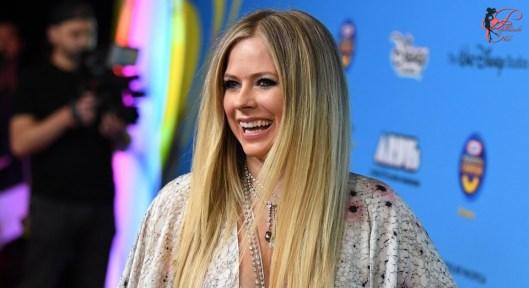 Avril-Lavigne_perfettamente_chic.jpg