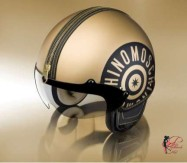 Franco_Moschino_perfettamente_chic_Moschino_Helmets.jpg