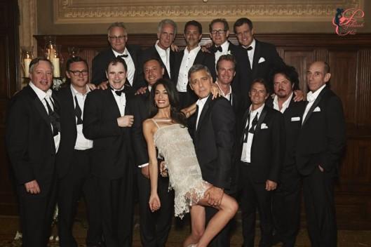 George_Clooney_Amal_Alamuddin_perfettamente_chic_wedding_abito_dopo.jpg