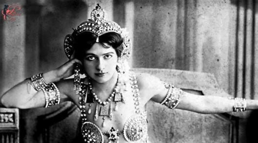 Mata_Hari_perfettamente_chic.JPG