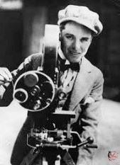Charlie_Chaplin_perfettamente_chic_2.jpg