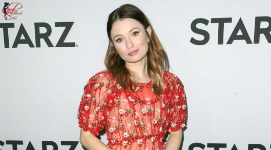 emily-browning_perfettamente_chic.jpg