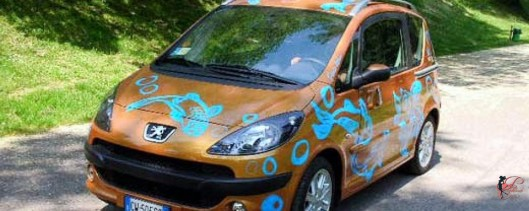 Enrico_Coveri_perfettamente_chic_Peugeot_1007.jpg