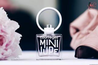 André_Courrèges_perfettamente_chic_Mini_Jupe
