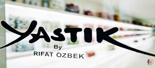 Ozbek_perfettamente_chic_Yastik