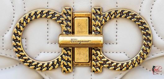 Salvatore_Ferragamo_perfettamente_chic_logo